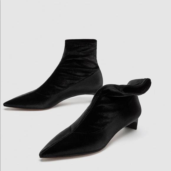 6e084cb1660 NWT Zara Black Velvet Kitten Heel Ankle Boots